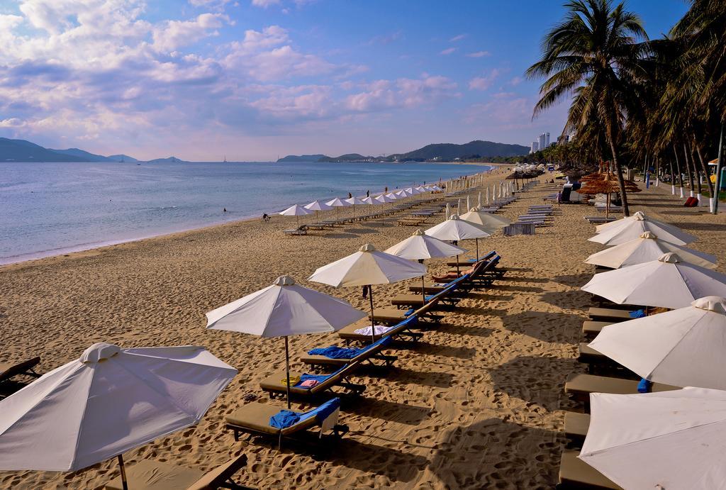 Пляж отеля Hotel Novotel Nha Trang