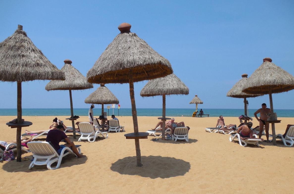 Пляж отеля Mount Lavinia Hotel