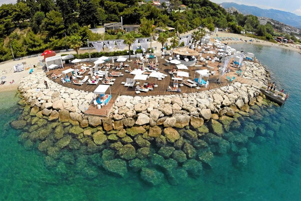 Пляж отеля Radisson Blu