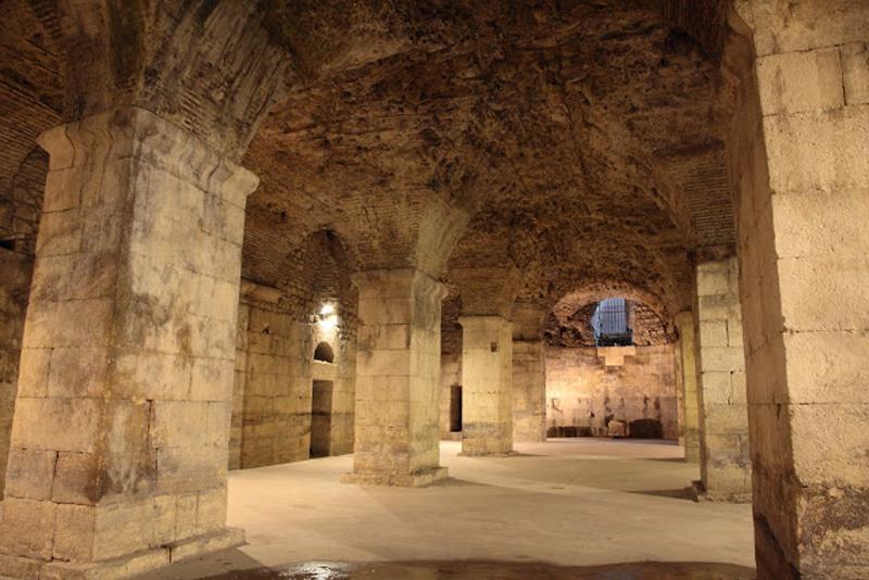 Подземелье дворца Диоклетиана