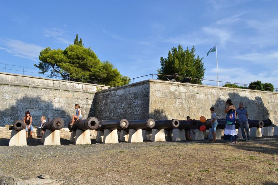 Пушки крепости Каштел