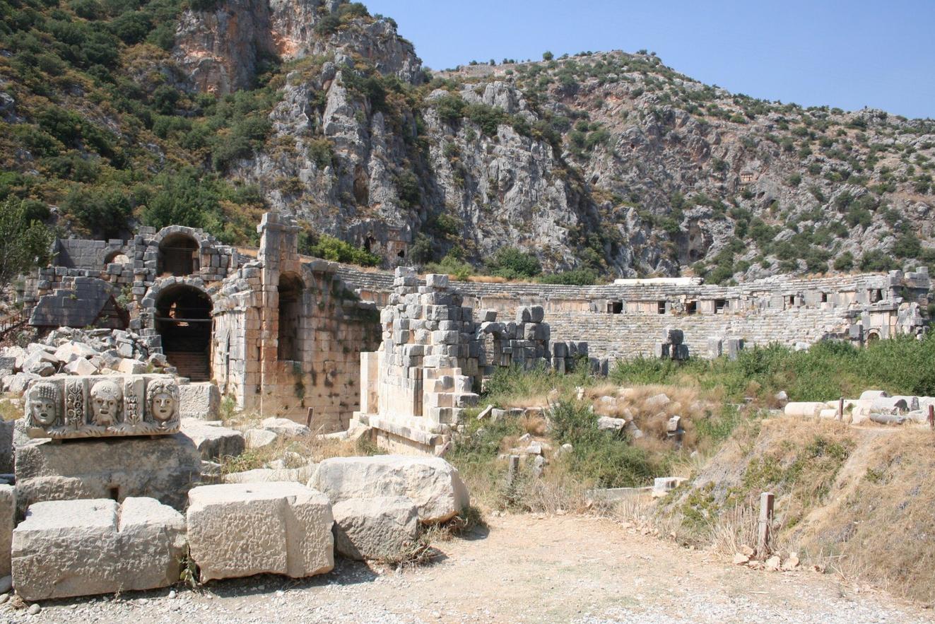 Руины старого города Мира