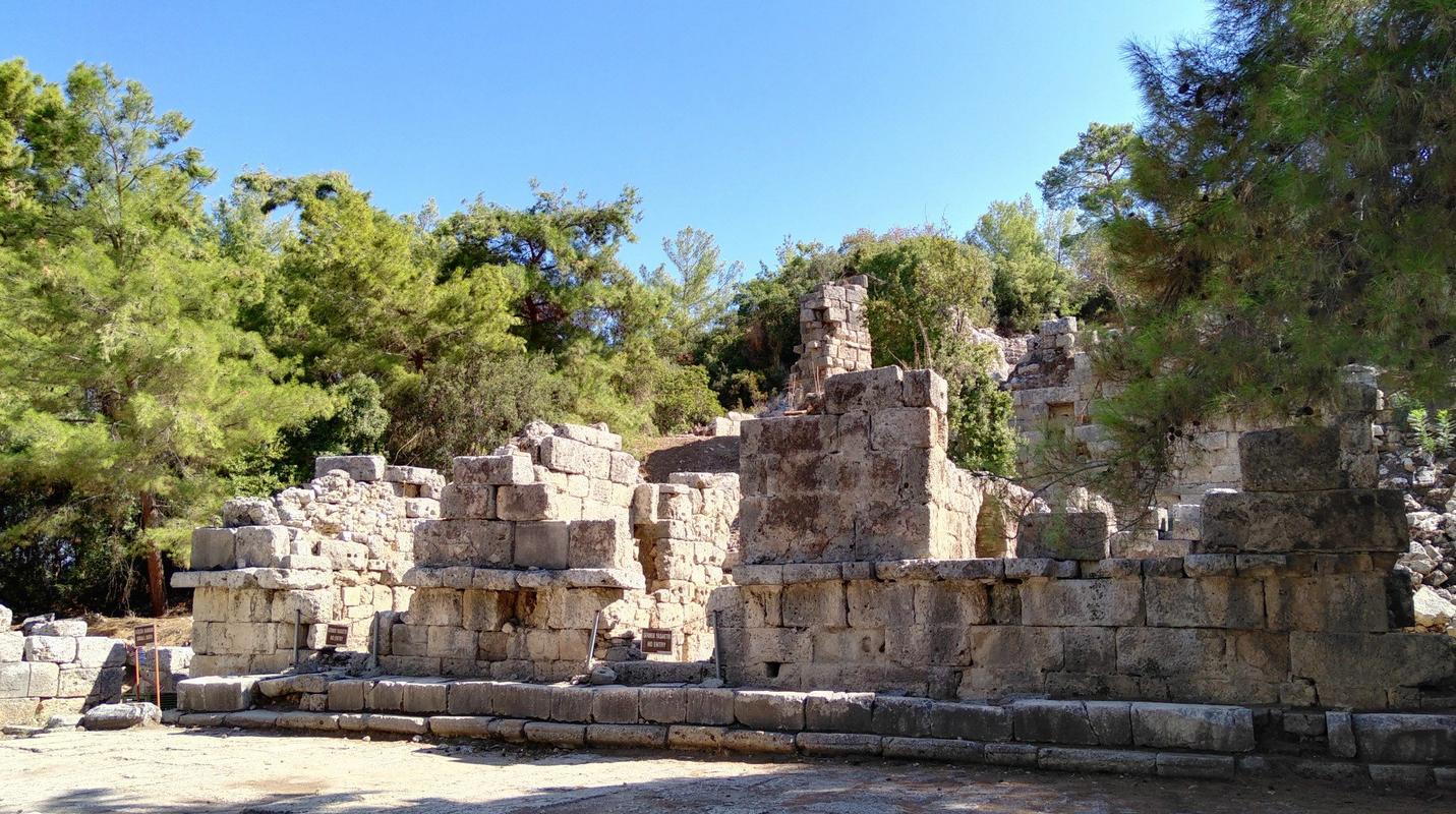 Развалины старого города Фаселис