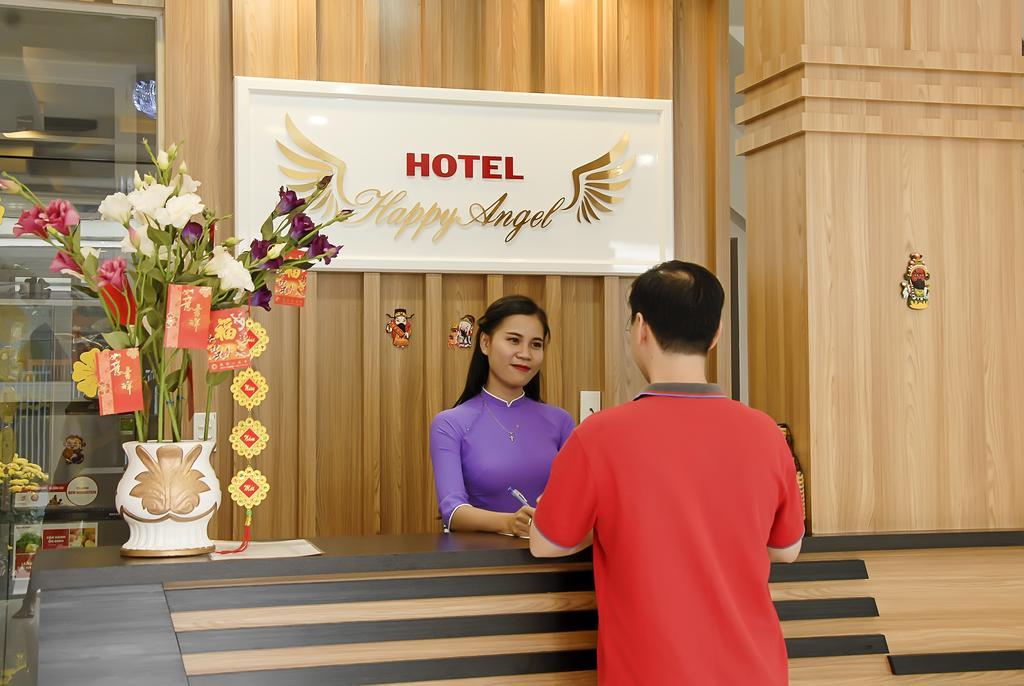 Ресепшн отеля Quang Nhat Hotel