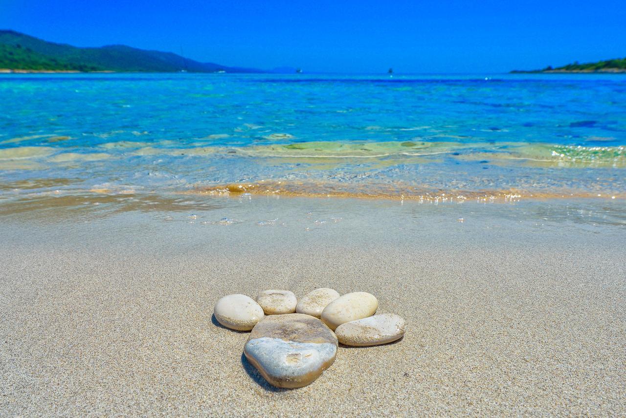 Песок на пляже Сахарун