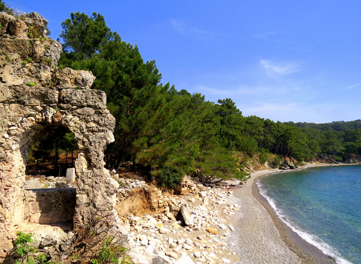 Вид на бухту рядом с Фаселисом