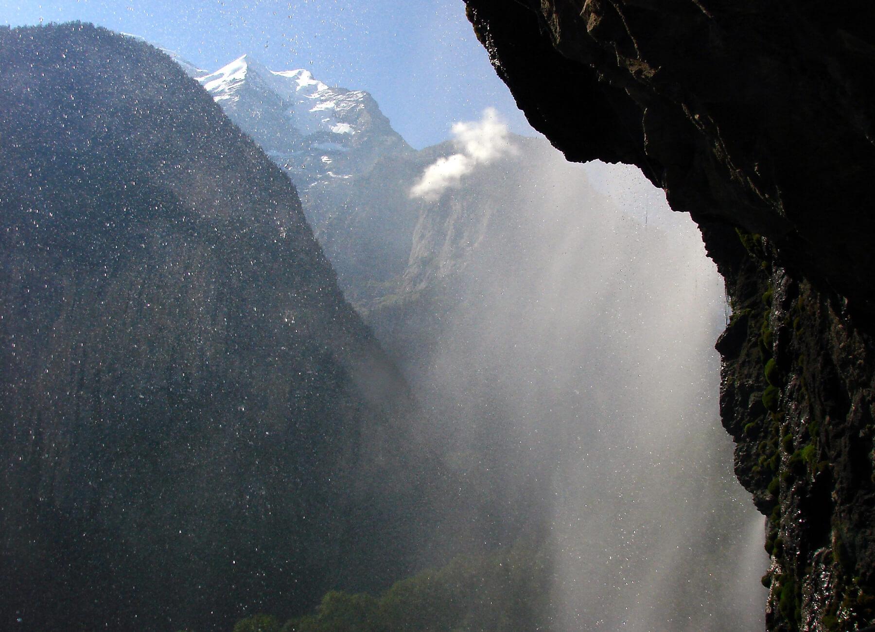 Водяная пыль водопада Штауббах