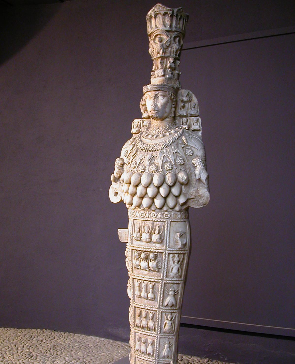 Скульптура Артемиды Эфесской