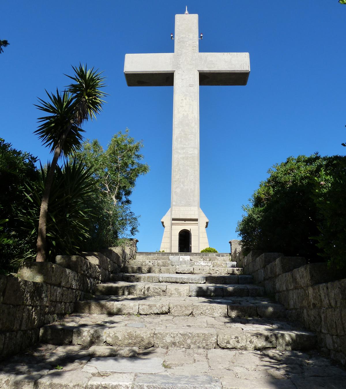 Большой крест на горе Филиримос