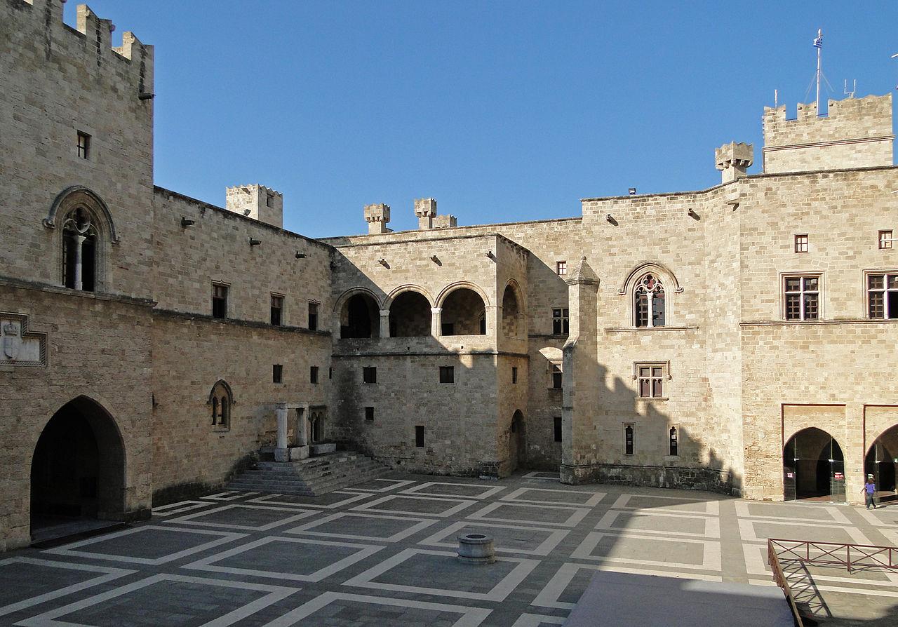Внутренний двор крепости рыцарей, Родос