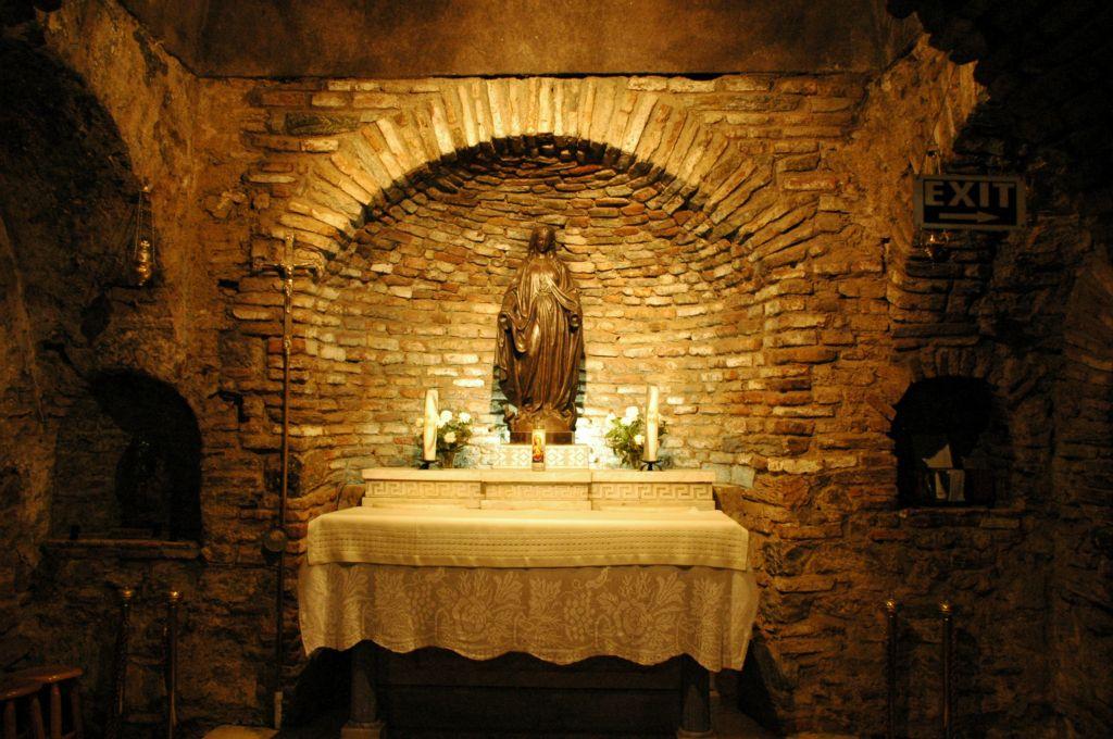 В доме Девы Марии