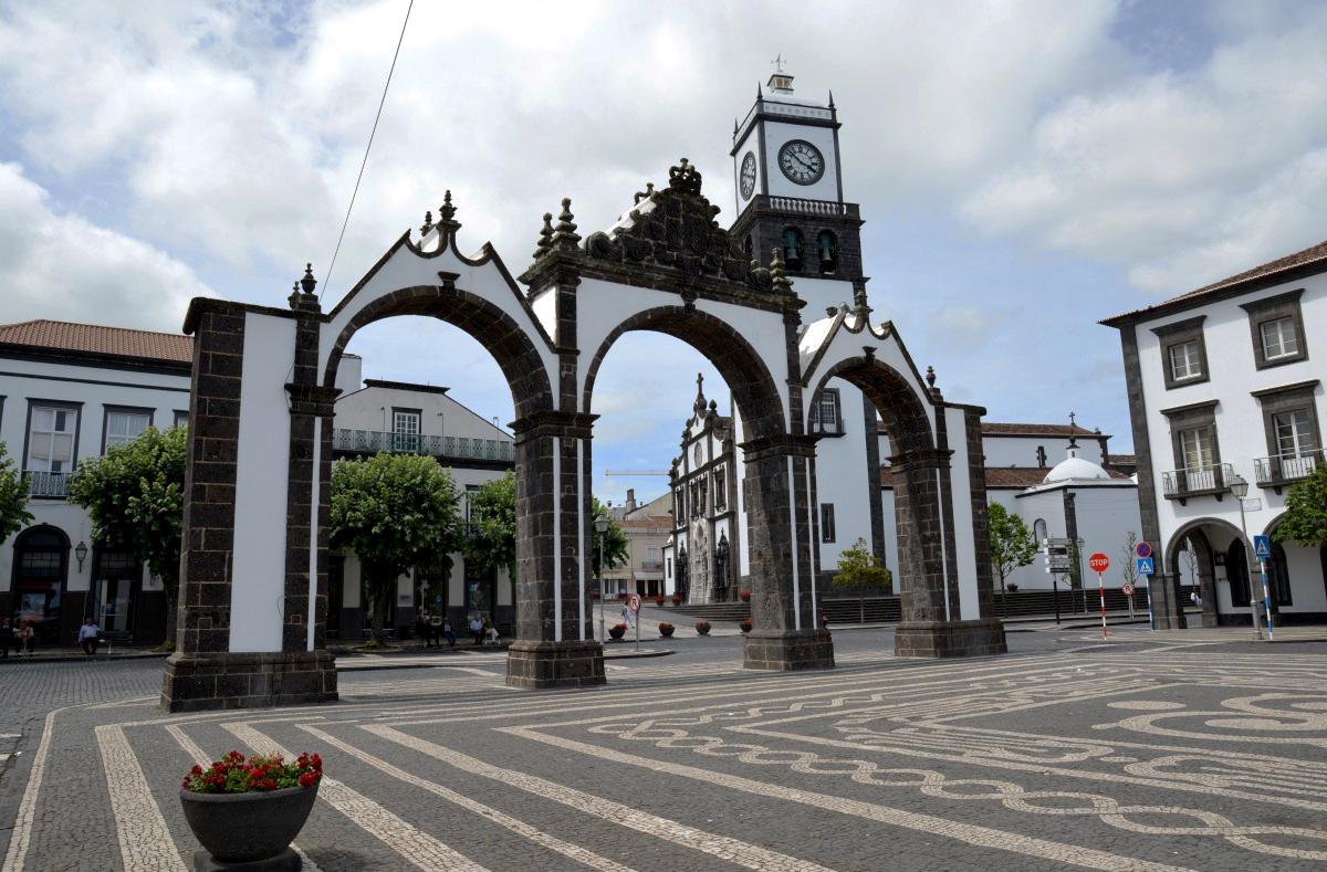 Городские ворота Понта-Делгада