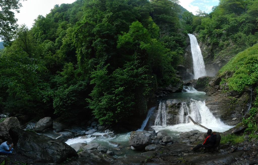 Водопад в Национальном парке Лагодехи