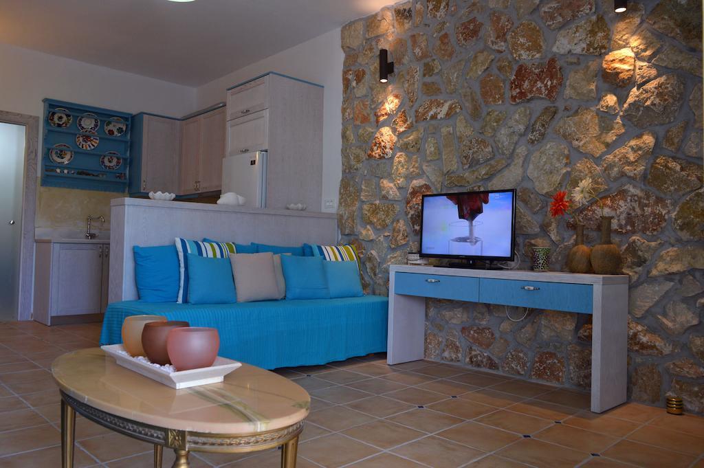 Номер в апартаментах Kathara Bay Apartments
