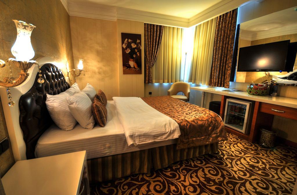 Номер в отеле Golden Deluxe Hotel
