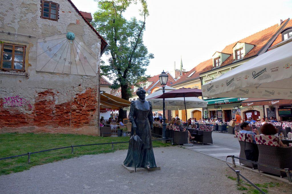 Памятник хорватской писательнице Марии Юрич