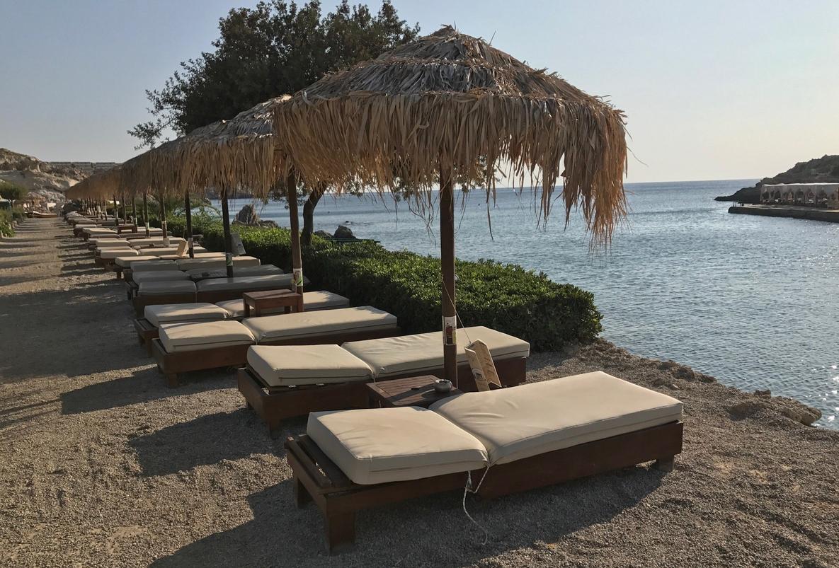 Песчано-галечный пляж Калифея Спрингс