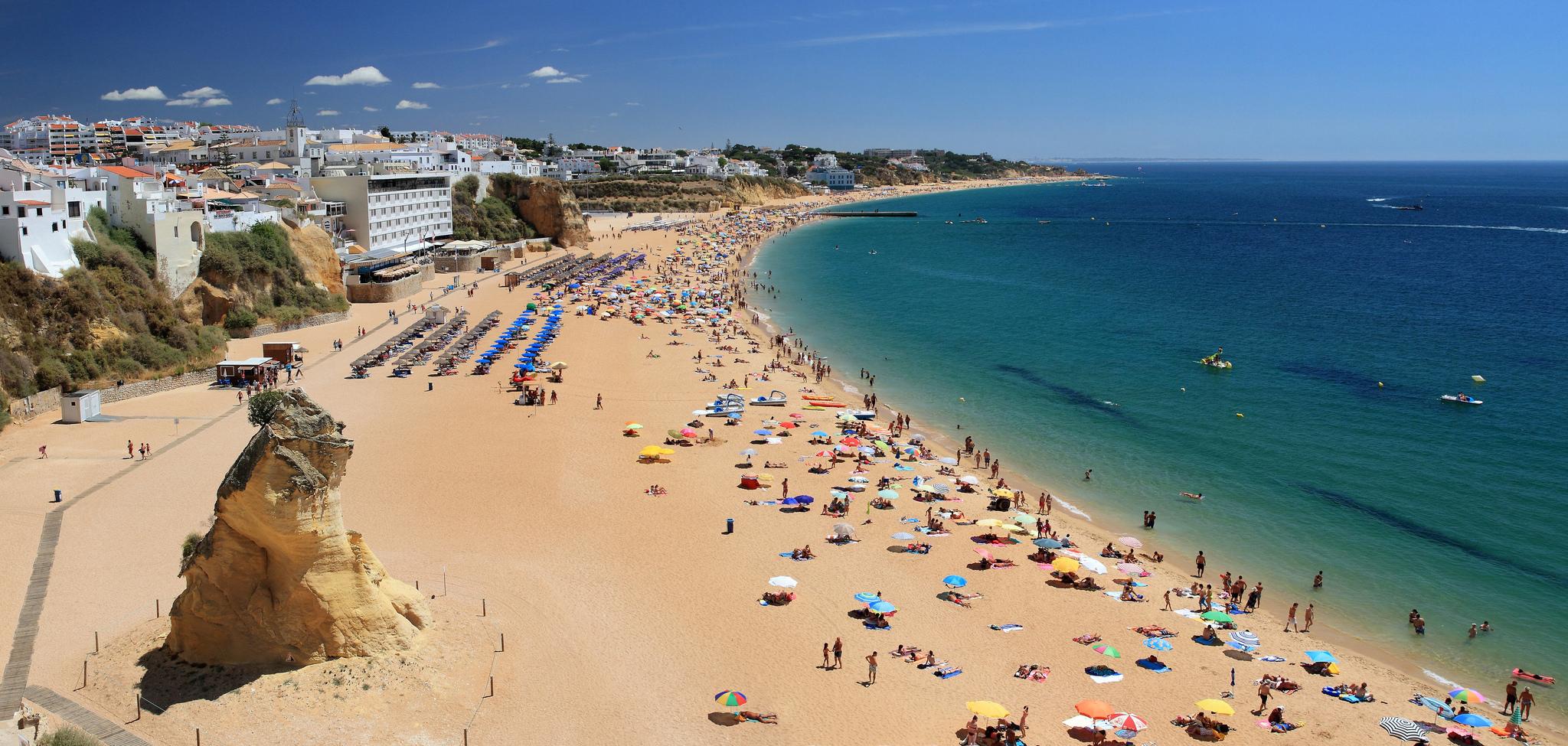 Пляж в Алгарве, Португалия