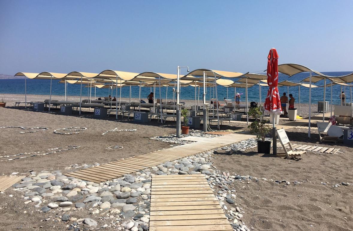 Пляж Каталос