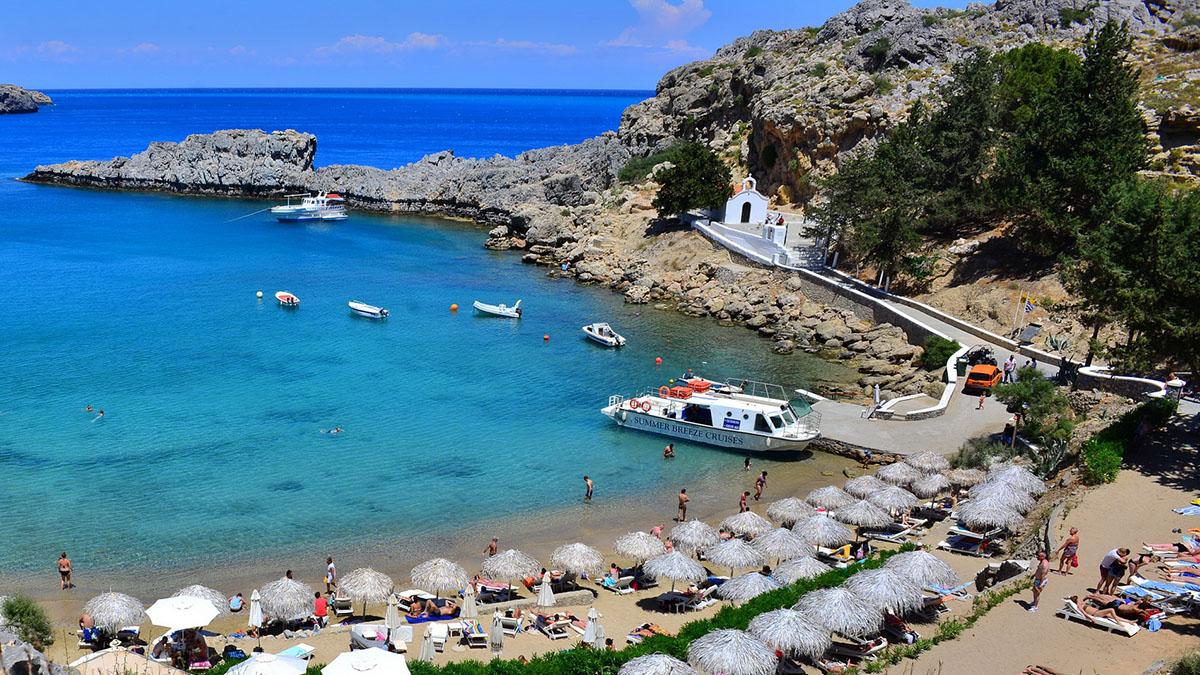 Пляж в бухте Святого Павла