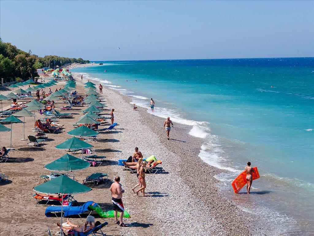 Пляж в городе Ялиссос