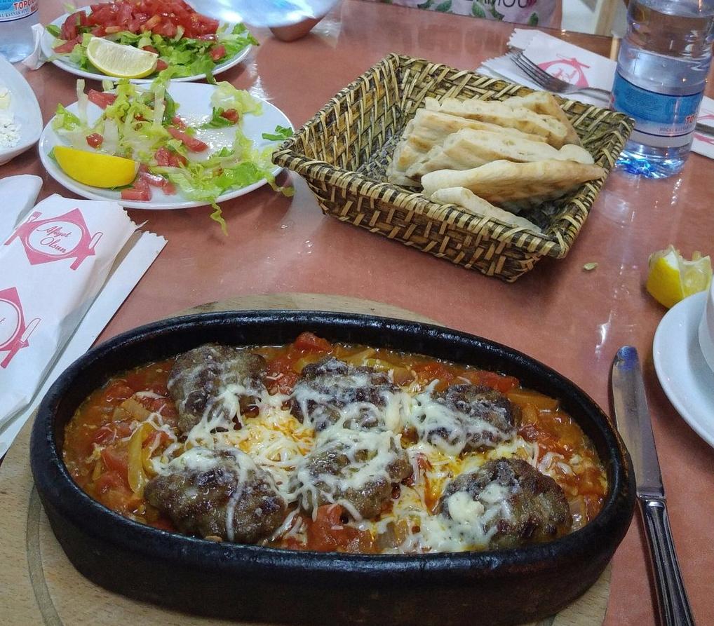 В ресторане Kardelen