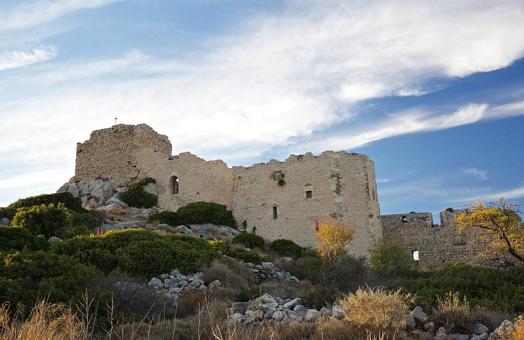 Старинная крепость Кастелло