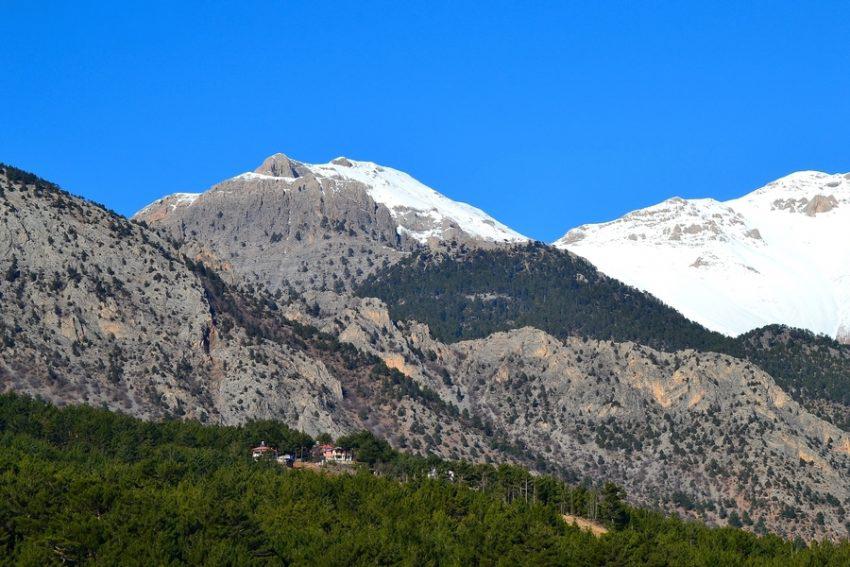 Величественный Таврский горный хребет