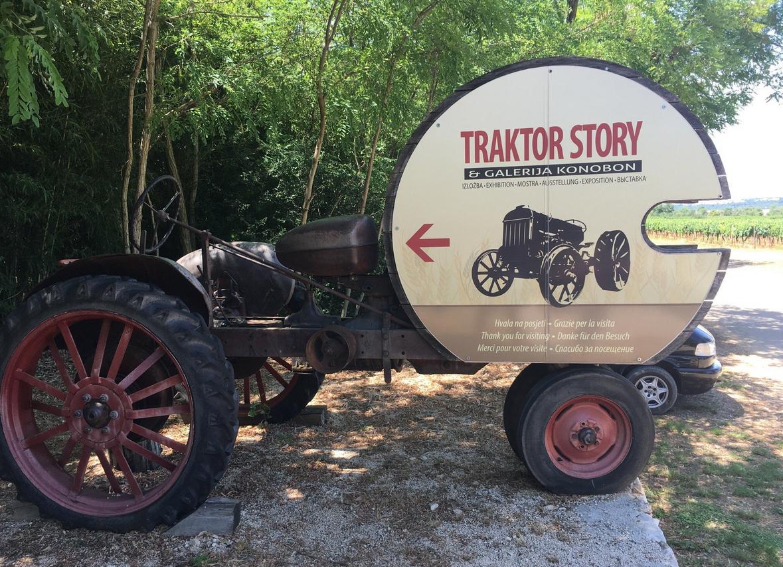 Указатель на музей Traktor Story