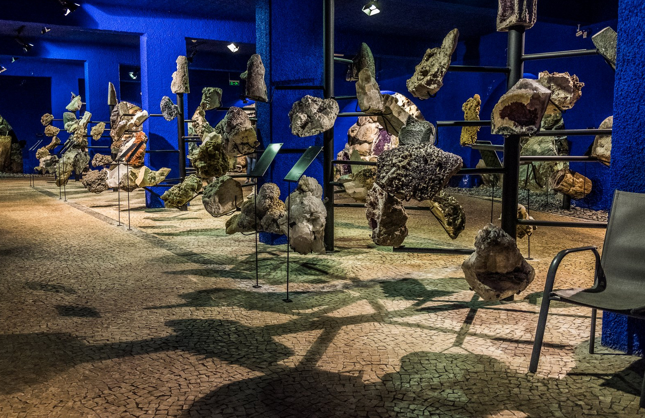 Минералы в музее