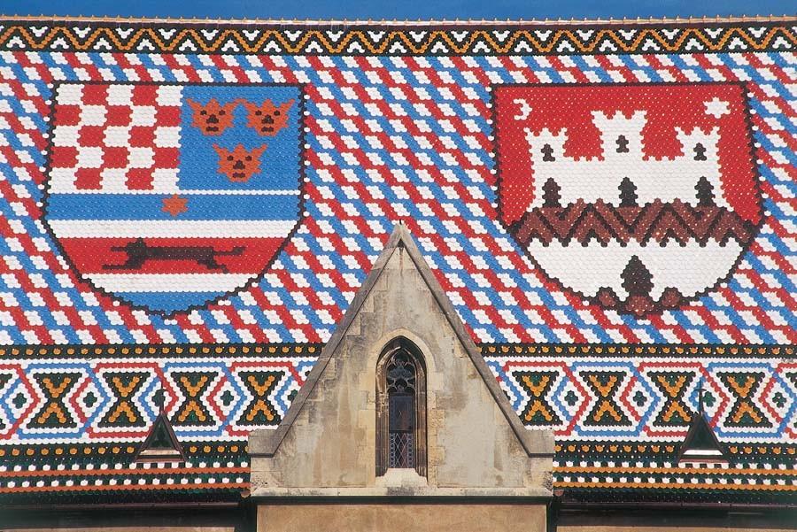 Черепичная крыша церкви Святого Марка