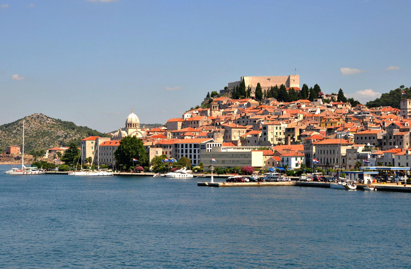 Десятый в Хорватии по количеству жителей, город Шибеник важен как центр туризма