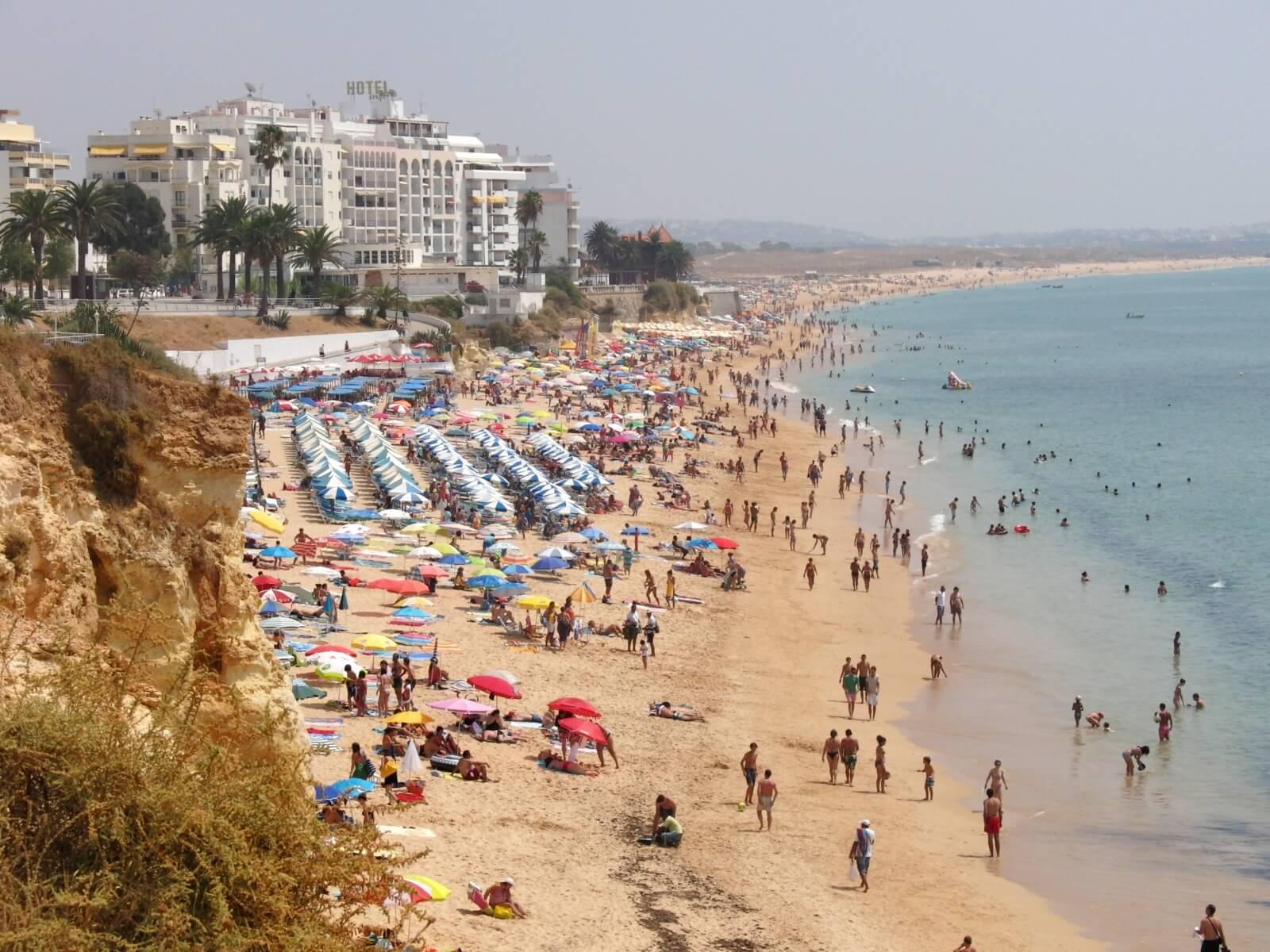 Пляж Praia de Armação de Pêra