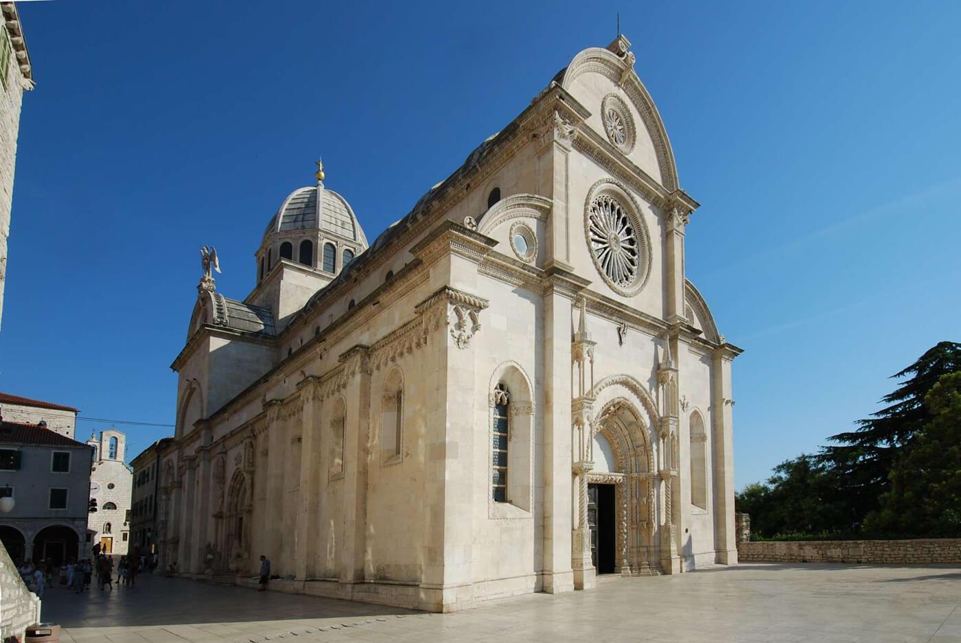 Кафедральный собор The Cathedral of St James