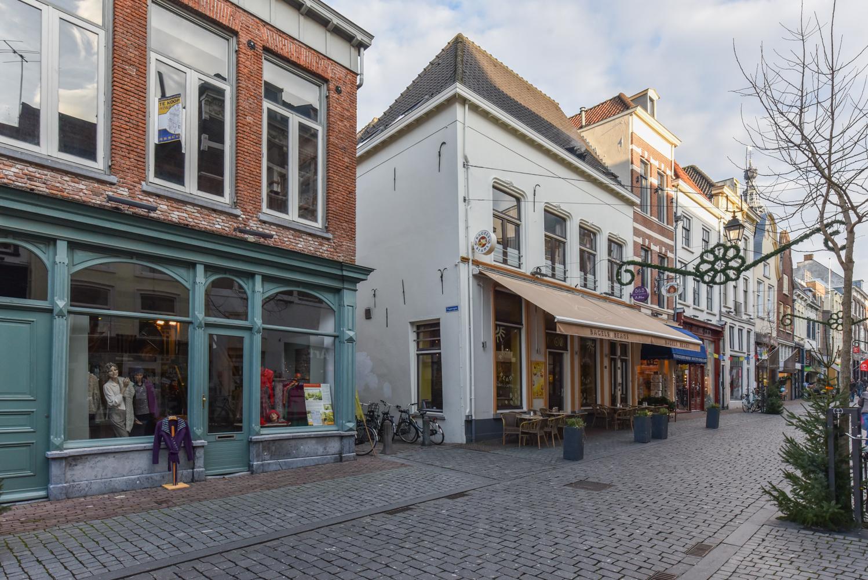 Архитектура улицы Lange Hezelstraat
