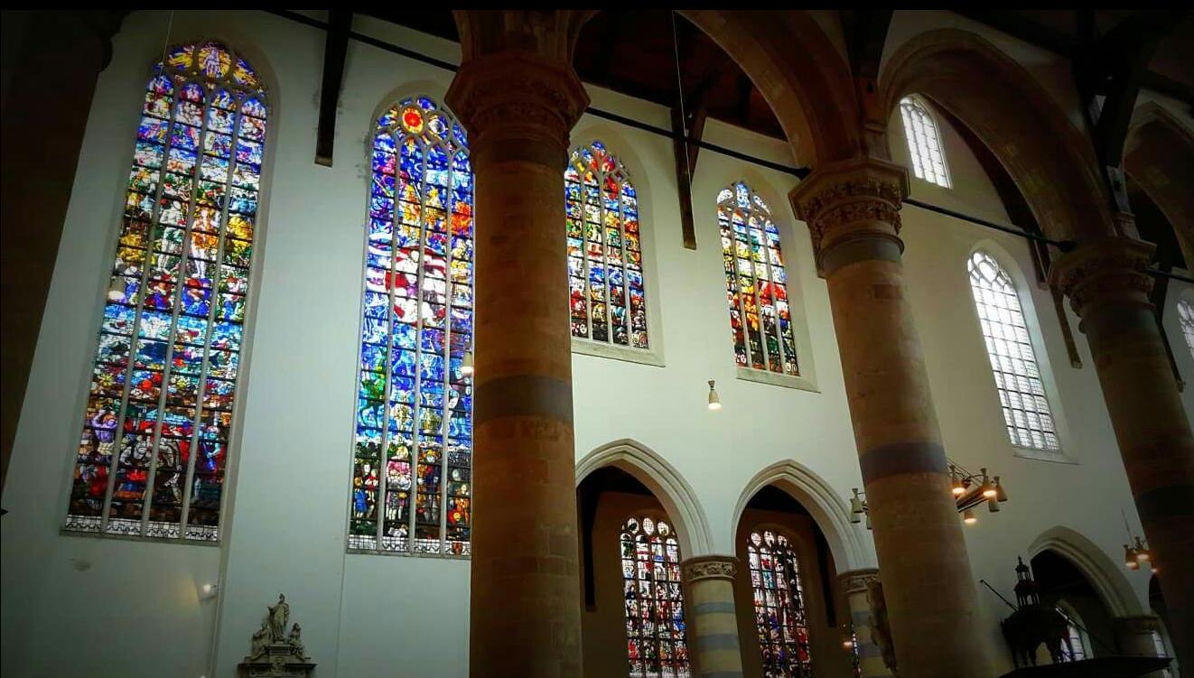 Витражи в храме Oude Kerk