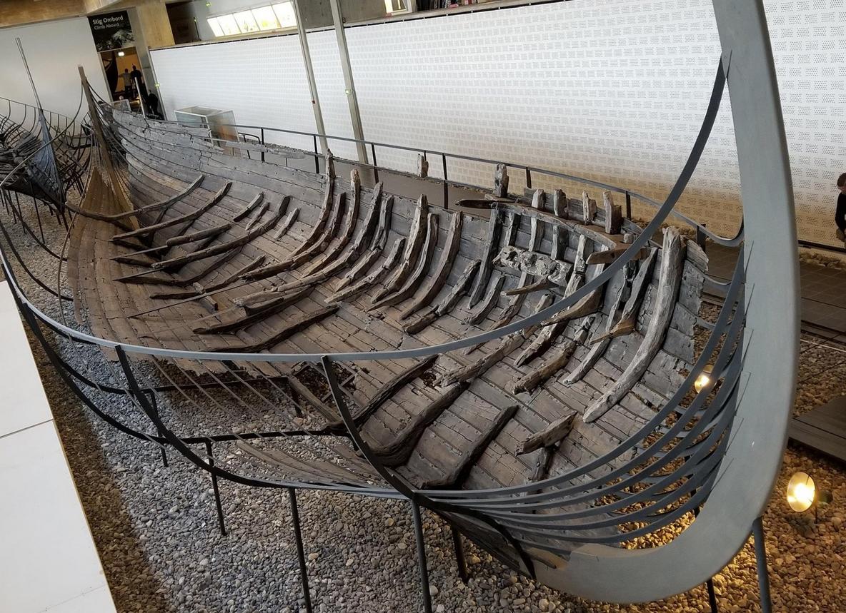 В музее кораблей Викингов
