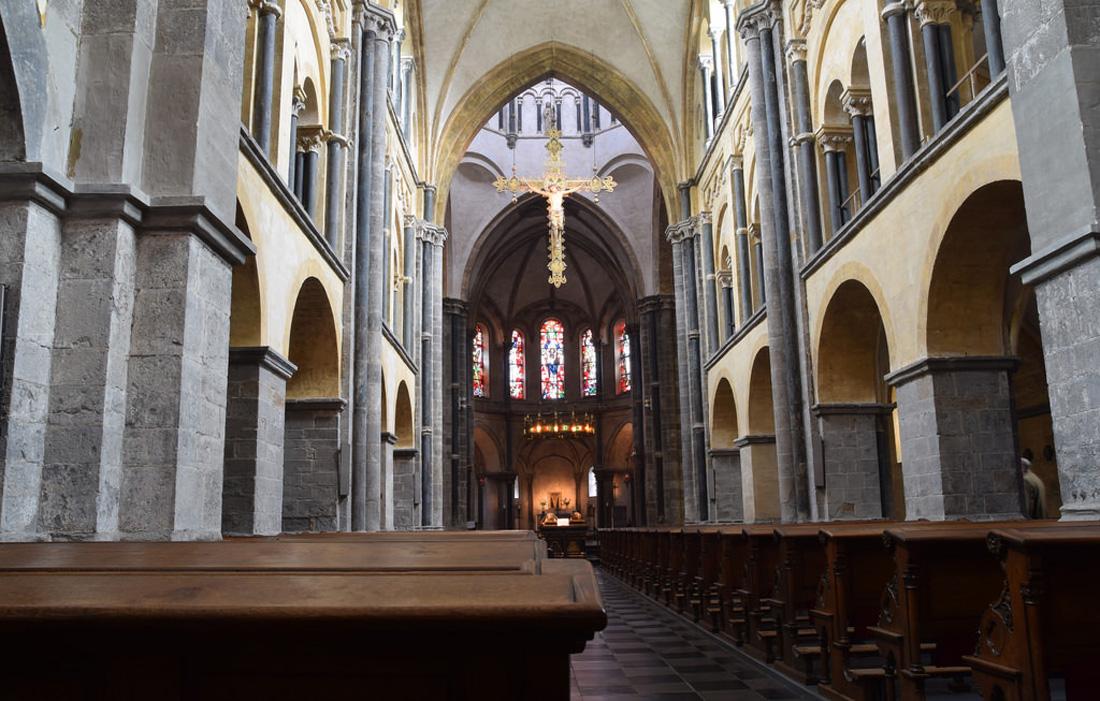 В церкви Munsterkerk