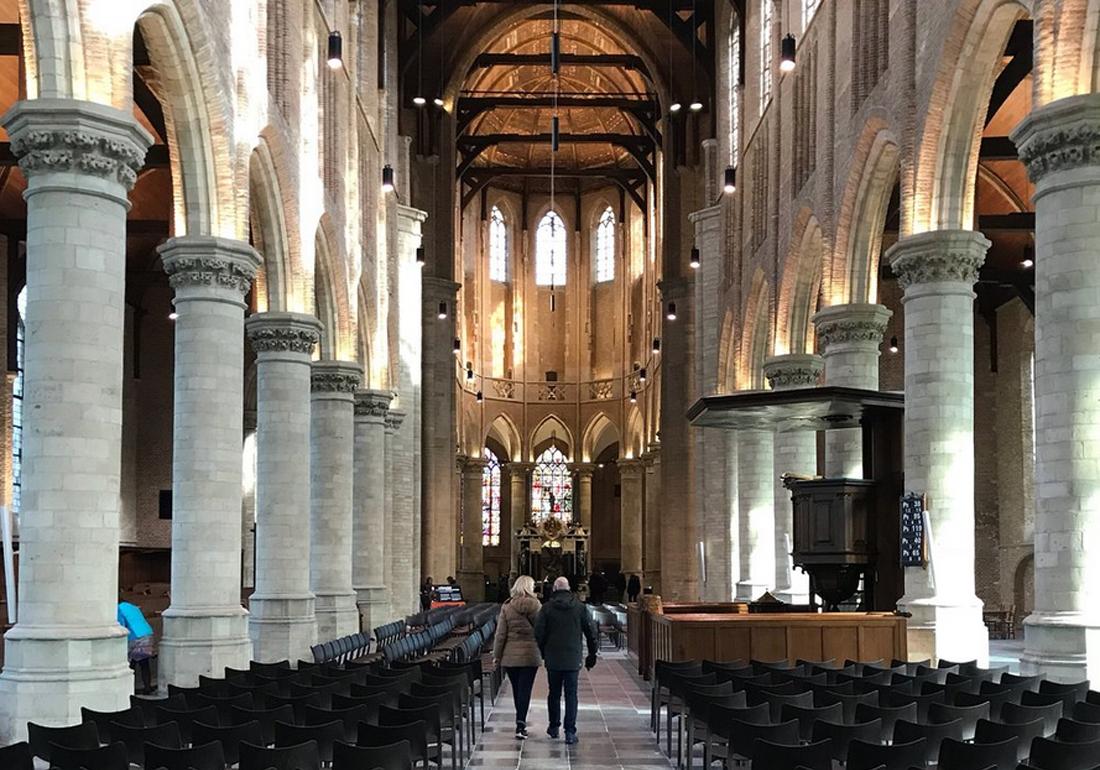 В церкви Nieuwe Kerk