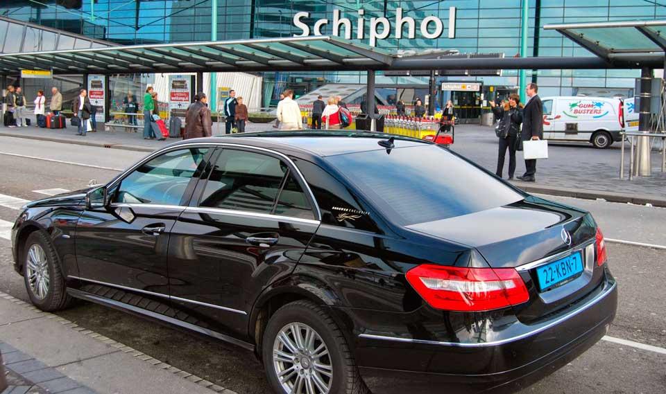 Машина из аэропорта Амстердама
