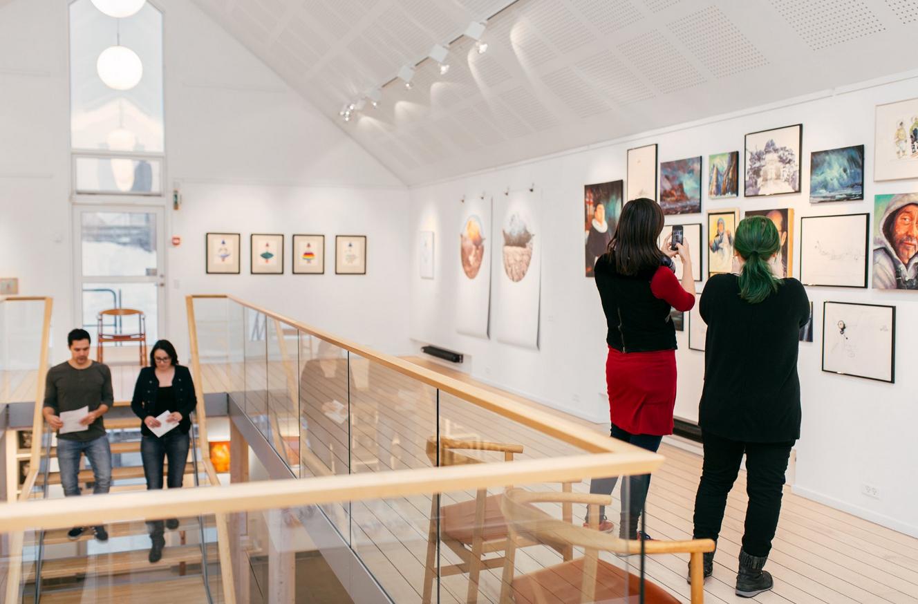 В музее искусств