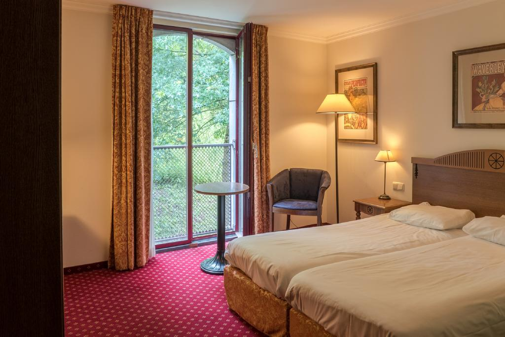 Номер в трехзвездочном отеле Hotel Courage Waalkade