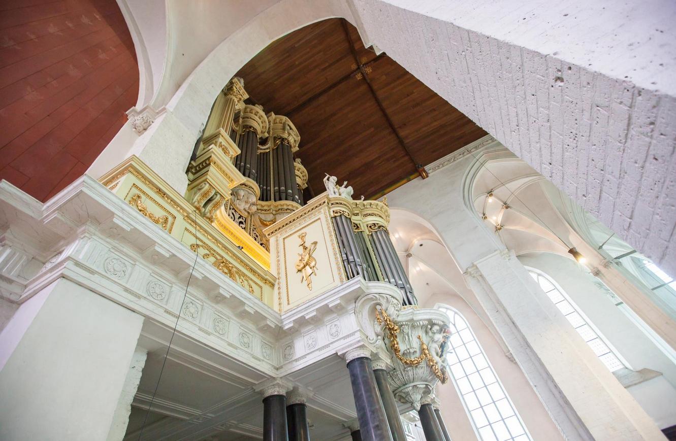 Орган в церкве Stevenskerk