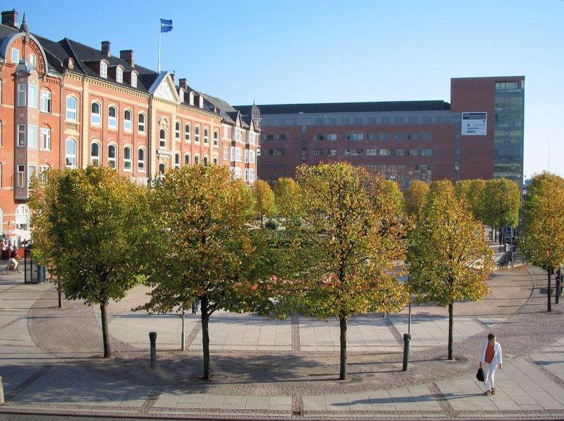 Площадь Джона Кеннеди, Ольбург