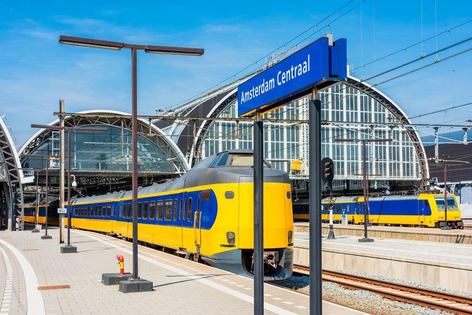 Поезда от станции Amsterdam Centraal
