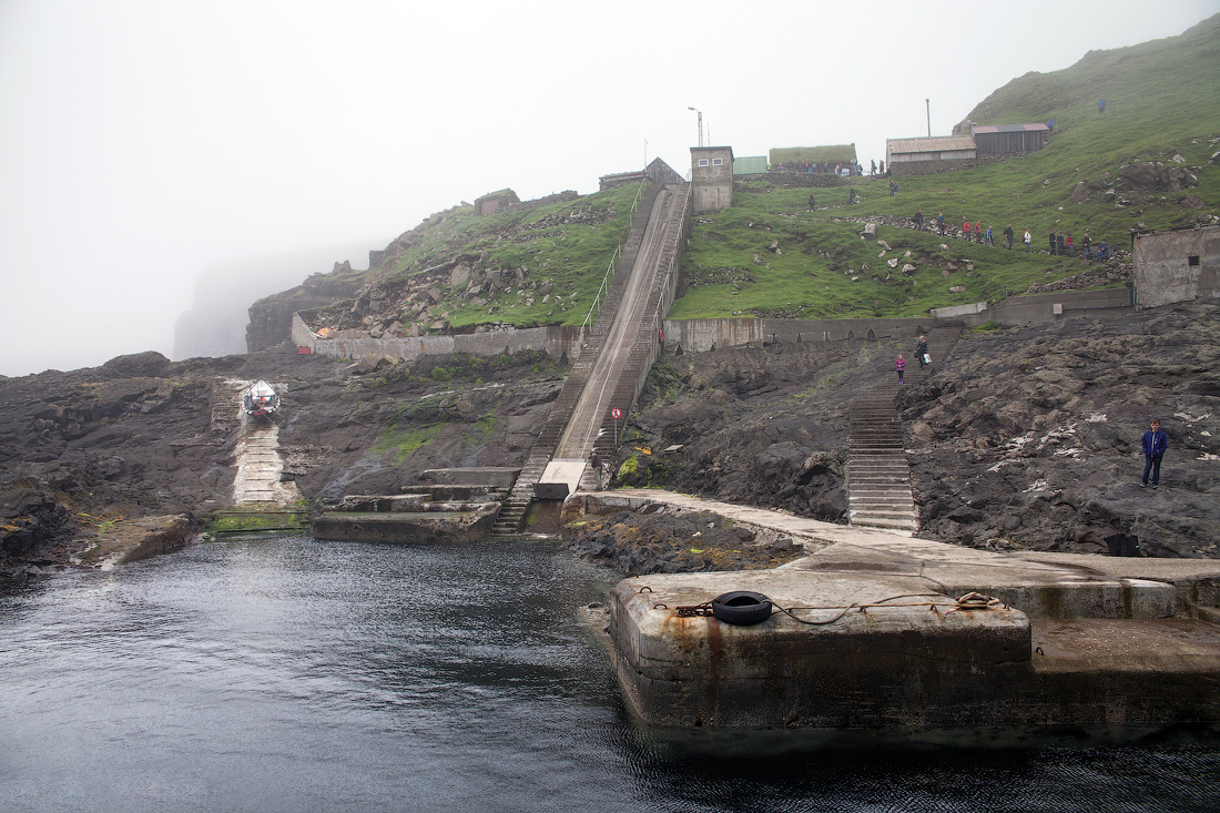 Порт на острове Мичинес