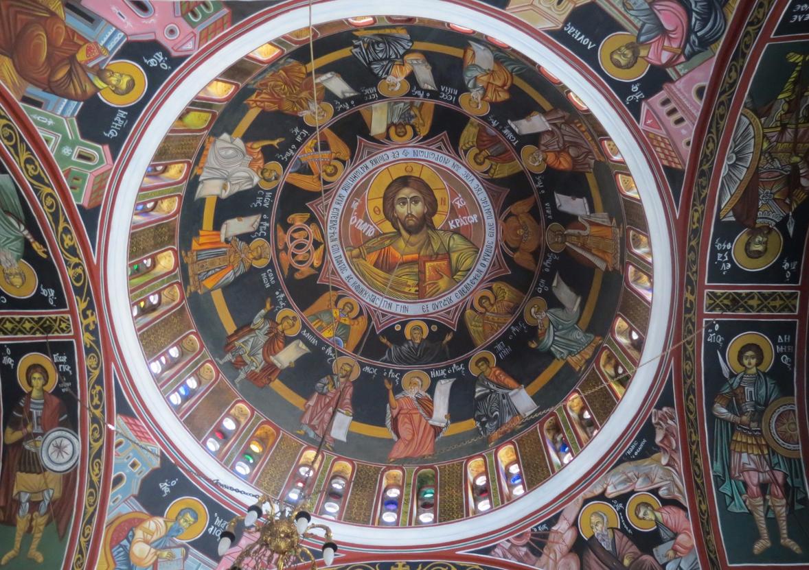 Роспись купола в храме