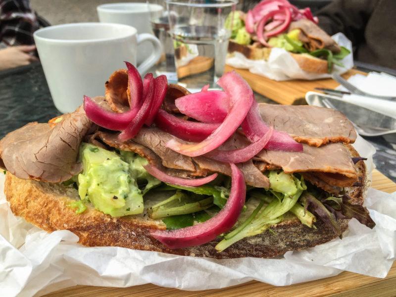 Датский бутерброд в кафе