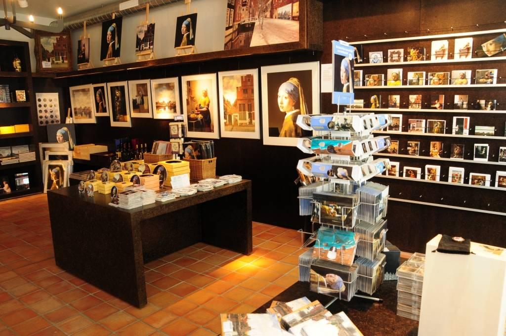 Сувенирная лавка в Vermeer Centrum