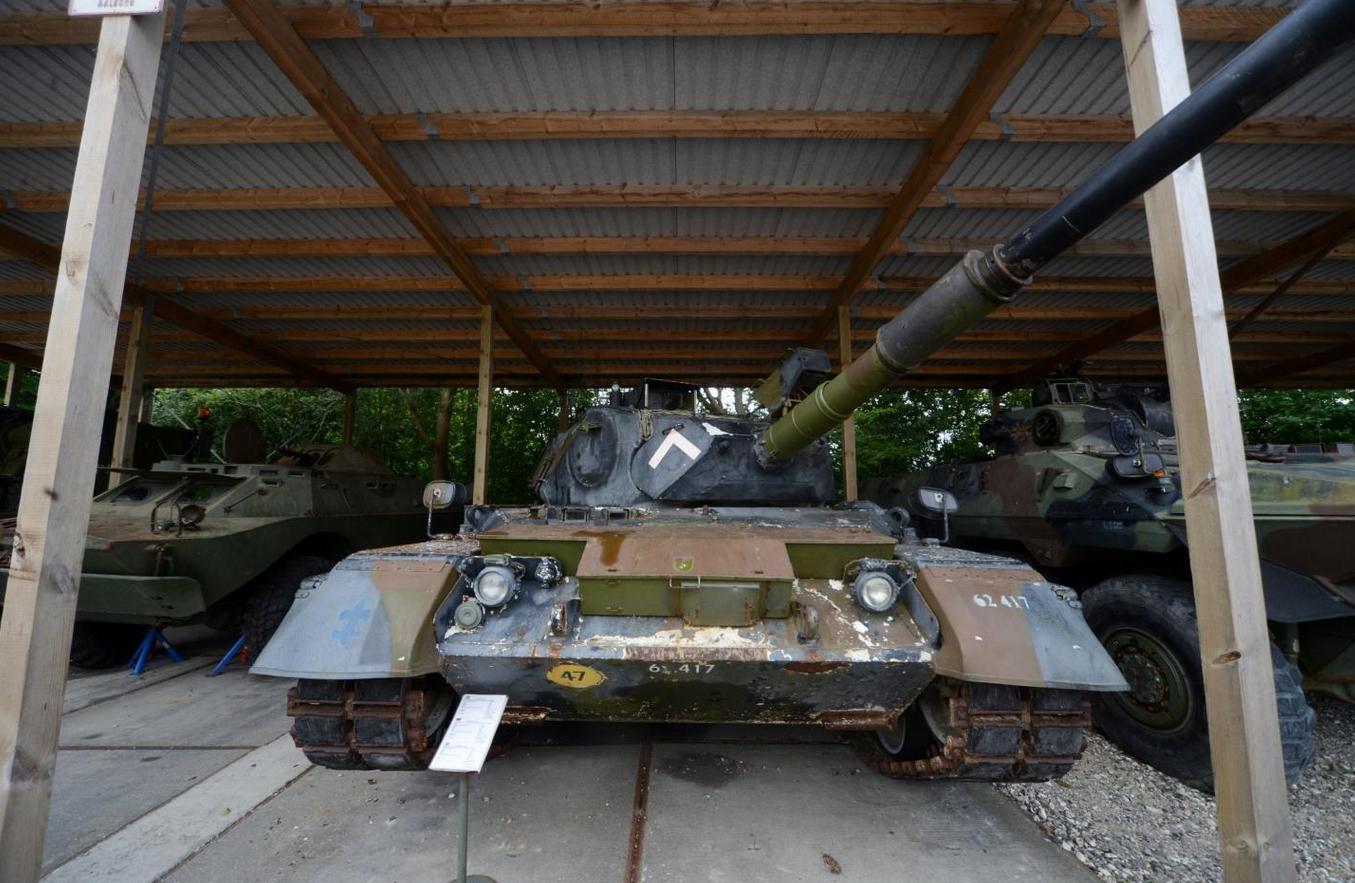 Танк и бронетехника в музее